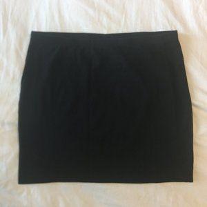 H&M - Black Mini Skirt - M